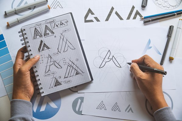 10 Logo Design Trends to Watch for in 2021 [Infographic]